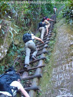 Putucusi Mountain/Montaña Putucusi Putucusi, in Quechua Happy Mountainis considered an APU, which means Sacred Mountain. Putucusi, en quechua Montaña Feliz, es considerada un APU, que significa Montaña sagrada.