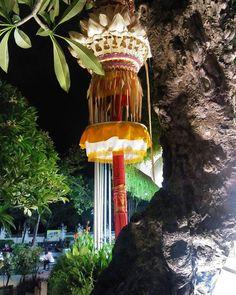 Bali..kuta lamp tree and tradition wonderfull  #bali #hotel #holiday #modern #lifestyle #photography  #architect #interior #design #property #life #natural #home #sport #jakarta #beautiful #desain #travel #lifestyle #hobby #resort #indonesia #food #health #ausie #beach #modern #bali #beauty #mountains #holiday #trip http://tipsrazzi.com/ipost/1522166726349893617/?code=BUf0pKlAS_x