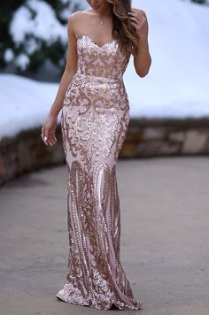 The Bariano Rebecca Rose Gold Strapless Sequin Maxi Dress is sure to make you the belle of the ball! Rose gold sequins covers this strapless sweetheart maxi dress. Red Lace Prom Dress, Gold Sequin Dress, Dress Up, Sequin Maxi, Rose Gold Long Dress, Rose Gold Dresses, Rose Gold Gown, Rose Gold Wedding Dress, Blue Bridesmaid Dresses