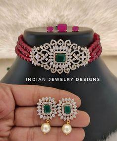 Indian Jewellery Design, Latest Jewellery, Indian Jewelry, Jewelry Design, 1st Birthday Girl Dress, Gold Bangles Design, Pendant Jewelry, Gold Pendant, Gold Jewelry