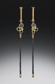 Robin Cust   Yellow Diamond Dangle Earrings
