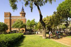 The amazing Castel dels tres Dragons in parc Ciutadella in Barcelona