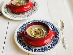 Supe și ciorbe – Chef Nicolaie Tomescu Panna Cotta, Ethnic Recipes, Soups, Food, Dulce De Leche, Essen, Soup, Meals, Yemek
