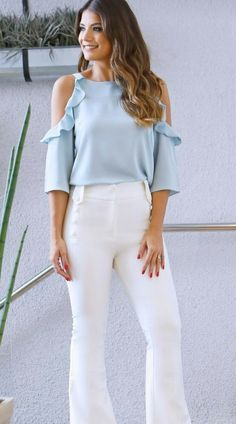 ☞ Find more beautiful dresses, jeans pants and wedding Wear, fashion illustration and girlfriend jeans. Another outfits for work, jeans shorts and Wear dress Fashion And Beauty Tips, Passion For Fashion, Fashion Moda, Womens Fashion, Business Dresses, Western Outfits, Office Fashion, Classic Outfits, Blouse Styles