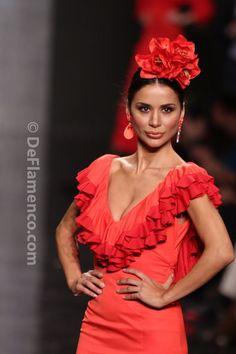 Fotografías Moda Flamenca - Simof 2014 - Amparo Maciá 'Autentica' Simof 2014 - Foto 18 Flamenco Costume, Flamenco Skirt, Flamenco Dancers, Dance Costumes, Dressy Dresses, Dance Dresses, Flamenco Wedding, Rose Bonbon, Spanish Dress