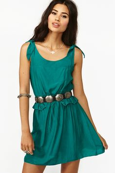 Pretty belt and armband, and I LOVE the blue-green, such a rich color
