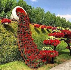 Poda artística de arbustos de flor