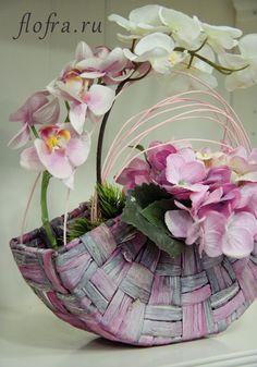 как сделать композицию из искуственных цветов кемерово аранжировка Flower Bag, Flower Boxes, Diy Flowers, Desi Wedding Decor, Glitter Wedding Invitations, Hand Bouquet, Floral Bags, Arte Floral, Purple Roses