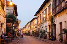 Go back in time in the colonial town of Vigan, Phillipines Vigan Philippines, Philippines Beaches, Philippines Travel, Places Around The World, The Places Youll Go, Great Places, Places To See, Around The Worlds, Great Vacations