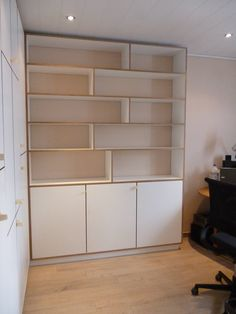 Dressing maken in multiplex wit Plywood, Home Office, Bookcase, Projects To Try, Dressing, Shelves, Interior Design, Furniture, House Ideas