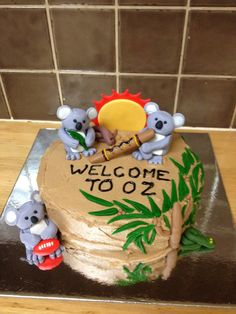 Koalas made from fondant Cute Baby Shower Ideas, Simple Baby Shower, Baby Shower Cakes Pictures, Care Bear Cakes, Australia Cake, Teddy Bear Cupcakes, Cakes For Sale, Diaper Cake Boy, Baby Shower Princess