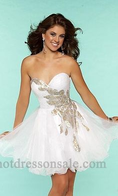 Shop for long prom dresses and formal evening gowns at Simply Dresses. Short casual graduation party dresses and long designer pageant gowns. Dance Dresses, Short Dresses, Girls Dresses, Dresses 2013, Ball Dresses, Sexy Dresses, Fashion Dresses, Designer Formal Dresses, Elegant Dresses