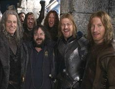 Director Peter Jackson hangs out with the ruling family of Gondor - Denethor (John Noble), Boromir (Sean Bean) and Faramir (David Wenham).  (The Lord of the Rings)