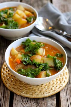 You probably have everything in your pantry and fridge to make this healthy and delicious Vegan Potato Soup with Beans and Kale. Perfect for weeknights!