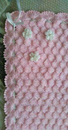 2019 Bebek Battaniye Modelleri 162 Tane En Güzel Örnekler Bebek Battaniye Modeli 114 You are in the right place about Crochet toys Here we offer. Diy Crochet Patterns, Diy Crafts Crochet, Baby Knitting Patterns, Baby Patterns, Crochet Projects, Free Crochet, Baby Afghan Crochet, Knitted Baby, Red Hearts