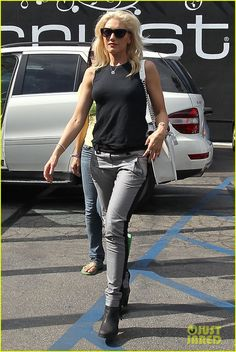 Gwen Stefani - flawless style.