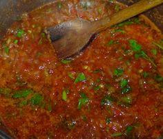 Μακαρόνια με σάλτσα ντομάτας ,κλασική αγαπημένη συνταγή!! Salsa, Ethnic Recipes, Food, Essen, Salsa Music, Meals, Yemek, Eten