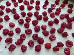Raspberrybrunette: Jemný tvarohový koláč s malinami Ale, Raspberry, Fruit, Food, Ale Beer, Essen, Meals, Raspberries, Yemek