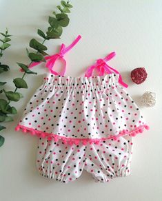 Minute Baby Dress from a Rectangle - Sew Crafty Me Baby Dress Pattern Free, Baby Bloomers Pattern, Little Girl Dress Patterns, Free Baby Patterns, Sewing Baby Clothes, Baby Clothes Patterns, Dress Sewing Patterns, Barbie Clothes, Baby Girl Dresses Diy
