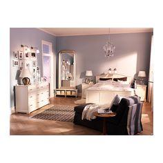 KRISTALLER Lustre, 3 braços IKEA É fácil regular a altura usando um gancho S ou cortando a corrente.