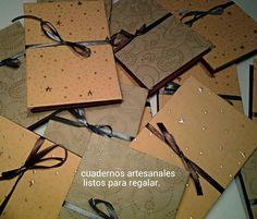 Pequeños cuadernos ideales para detalles en bodas.