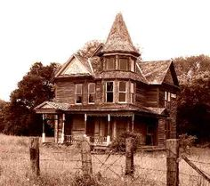 Left behind - The Hearn Gidden Old Victorian Queen Anne Farmhouse in Kosse, Texas.