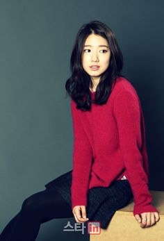 Queen of RomCom ♥ Park Shin Hye ♥ Flower Boy Next Door ♥ You're Beautiful! ♥ Heartstrings ♥ Don't Worry I'm a Ghost ♥ The Inheritors Young Actresses, Korean Actresses, Korean Actors, Actors & Actresses, Korean Dramas, Park Shin Hye, Korean Beauty, Asian Beauty, Korean Celebrities