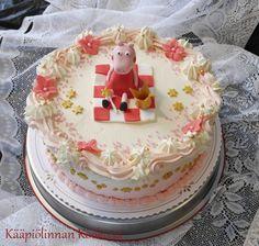 Kääpiölinnan köökissä: Hempeitä kakkuja pienten tyttöjen synttäreille ♥