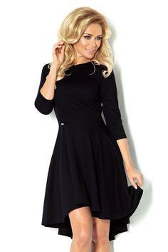 Ekskluzywna sukienka, uszyta z wysokiej jakości materiału Lacosta, z rękawami 3/4. Fason sukienki idealnie podkreśla kobiece kształty. #sukienka #dzienna #kobieta #moda #trendy #czerń