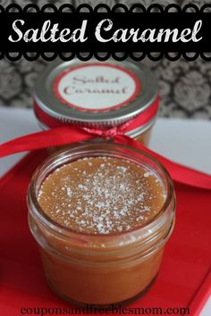 Homemade Salted Caramel with 5 simple ingredients! This salted caramel is the perfect homemade DIY gift idea, or use it yourself as a holiday treat! Combine it with our free printable labels for an easy & inexpensive homemade gift this year! Ice Cream Desserts, Just Desserts, Delicious Desserts, Yummy Treats, Sweet Treats, Caramel Ingredients, Chocolates, Mousse, Christmas Baking