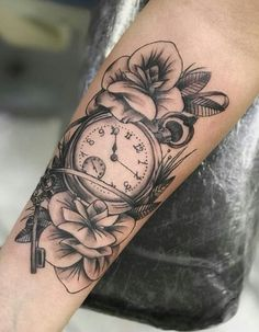 (notitle) - Tattoos&Piercings - - My list of the most creative tattoo models Forarm Tattoos, Girl Arm Tattoos, Girls With Sleeve Tattoos, Girly Tattoos, Body Art Tattoos, Tattoos For Women, Tattos, Tattoo Forearm, Tattoo Ink