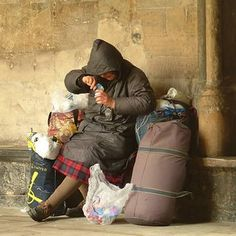 A pinner shares:Be homeless in a major metropolitan area for one month. Meet and live with true homeless people. Listen to their stories. See what it is really like.