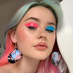 Summer fashion, summer trends, summer, style, beauty, makeup, eyeshade, mismatched eyeshadow Summer Eyeshadow, Pink Eyeshadow, Eyeshadow Looks, Eyeshadow Makeup, Makeup Trends, Makeup Inspo, Harry Styles, Beauty Secrets, Beauty Hacks