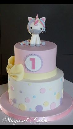 Is it wrong that I want a unicorn cake? Girly Cakes, Fancy Cakes, Cute Cakes, 1st Birthday Cakes, Unicorn Birthday Parties, Little Pony Cake, Rainbow Birthday, Baby Shower Cakes, Shower Baby
