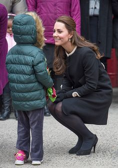 ROYALS, not Hollywood actually! lol | Duchess Kate mistaken for Disney Princess Elsa from 'Frozen' while visiting children at Northside Center for Child Delvelopment in Harlem... #ToocuteTuesday