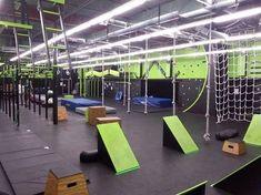 American Ninja Warrior Gym, American Ninja Warrior Obstacles, Ninja Warrior Course, Parkour Gym, Crossfit Box, Indoor Gym, Gymnastics Gym, Kids Gym, Diy Playground