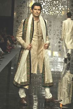 Manish Malhotra Spring Summer 2011 CollectionManish Malhotra Spring Summer 2011 Collection