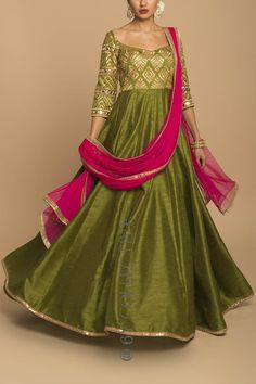 Olive et Rani Mirrorwork Anarkali Lehenga Designs, Kurta Designs, Kurti Designs Party Wear, Blouse Designs, Frock Suit Anarkali, Anarkali Dress, Long Anarkali, Mehendi Outfits, Pakistani Wedding Outfits