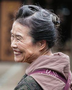 Quer emagrecer, ser feliz e viver bem até os 90 anos? Conheça o regime de Okinawa, que preza um estilo de vida equilibrado, alimentação baseada em carboidratos e legumes e alta dose de bom humorFazia …