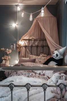 Kids rooms decor – Home Decor Decorating Ideas Bedroom Wall Colors, Small Room Bedroom, Nursery Room, Girls Bedroom, Bohemian Bedroom Decor, Bedroom Inspo, Home Decor Bedroom, Decor Room, Creative Kids Rooms