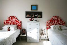DIY padded headboard idea for girls room! Uni Bedroom, Girls Bedroom, Dorm Room, Lego Bedroom, Twin Headboard, Kids Headboards, Guest Room Decor, Big Girl Rooms, Kids Rooms
