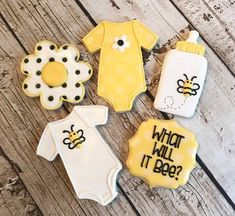 The fabulous almond crunchy - HQ Recipes Gender Reveal Cookies, Bee Gender Reveal, Gender Reveal Decorations, Baby Gender Reveal Party, Bee Cookies, Sugar Cookies, Sunflower Baby Showers, Mommy To Bee, Bee Party