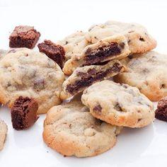 Cela faisait quelques temps que je bavais devant les pillow cookies, qui ont fait fureur sur les blogs américains l'été dernier.Les pillow cookies ? Ce so