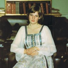 During her teenage years Diana was happiest in jeans and casual cloths. When her father moved to Althorp House the family entertained much more frequently, forcing her inti more formal cloths. It was at one such weekend that Diana first met the Prince of Wales.