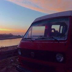 Bulli bei Sonnenaufgang am Kanal. Der kürzeste Tag des Jahres begann soooo schön