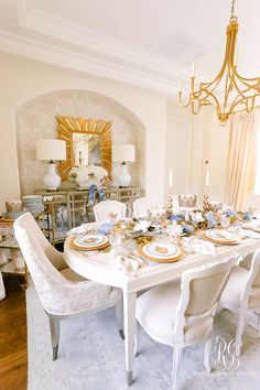 We Three Kings Christmas Table #diningroomtour #diningroom #whiteandbluehomedecor #homedecor #decor #home #whitediningroom #christmasdiningroom #christmasdecor #christmas #glamdiningroom #transitionaldecor #transitionaldiningroom #whitetransitionaldecor #glamdecor #beautifulhome #blueandwhitechristmas #bluewhitegold #blueandgold #tablescape #tablesetting #hanukkahdecor #hanukkah #hanukkahdecorations #wethreekings #placesetting White Dining Table, Dining Room Table, Night Table, Dinner Table, Royal Table, New Years Eve Dinner, Gold Christmas, Elegant Christmas, Christmas Decor