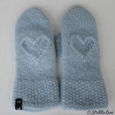 Hjertevenn votter lys blå Slippers, Shopping, Fashion, Creative, Sneaker, Moda, La Mode, Fasion, Fashion Models