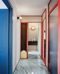 50 Ideas Bathroom Inspiration Modern Sliding Doors For 2019 Milan Apartment, Apartment Design, Apartment Renovation, Interior Architecture, Interior And Exterior, Exterior Paint, Minimalism Living, Modern Sliding Doors, Glass Front Cabinets
