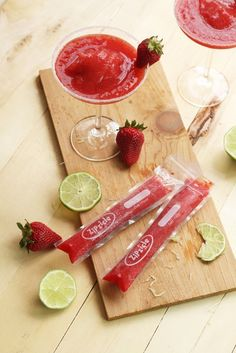 popsicle, ice pop, recipedessertYield: 12 Cocktail Ice PopsAuthor: WizCo LLCPrint RecipeWith ImageWithout ImageStrawberry Daiquiri Ice PopFresh strawberry daiquiris to-go! Boozy ice pops will be the hit of your party! Strawberry Daquiri, Strawberry Margarita, Zip Lock, Vodka, Freeze Pops, Sorbets, Comfort Food, Frozen Desserts, Molde