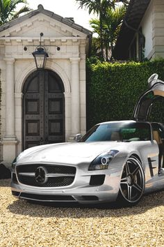 italian-luxury:  Mercedes SLS AMG | More Mercedes | Source